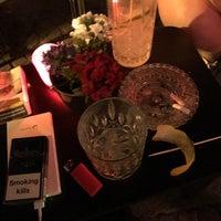 Das Foto wurde bei Die Bar von Helin D. am 6/8/2018 aufgenommen