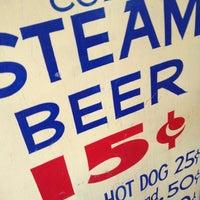 Foto tirada no(a) Anchor Brewing Company por Kevin R. em 10/30/2012