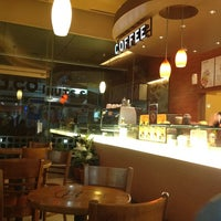 Photo taken at J.CO  Donuts & Coffee by Kiki A. on 11/16/2012