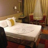 8/15/2013 tarihinde 🇹🇷🇹🇷PASSENGER🇹🇷🇹🇷ziyaretçi tarafından SV Business Hotel'de çekilen fotoğraf