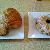Photo taken at Artisans Bakery & Cafe by Mary O. on 9/15/2013