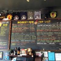Photo prise au Monkey Paw Pub & Brewery par Arathena S. le4/27/2013
