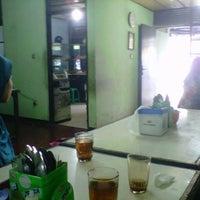 Photo taken at Mie Kocok Bandung Sobur Jaya by Nia A. on 3/3/2013