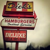 Foto tomada en Dick's Drive-In por BigRyanPark el 12/29/2012