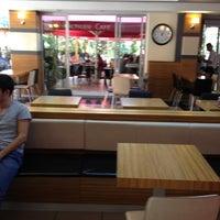 10/15/2012 tarihinde Aslı B.ziyaretçi tarafından Altıgen Cafe'de çekilen fotoğraf