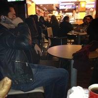 12/25/2012 tarihinde Aslı B.ziyaretçi tarafından Altıgen Cafe'de çekilen fotoğraf