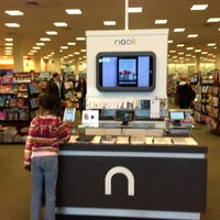 Photo taken at Barnes & Noble by Ralph W. on 1/4/2013