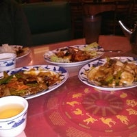 Photo taken at Hunan Home's Restaurant by Linda A. on 11/21/2012