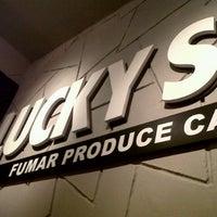 Foto tomada en Arenas Bar & Lounge por Daniel E. el 10/8/2012