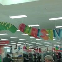 Foto diambil di Target oleh Kim M. pada 11/7/2012