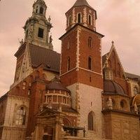 Foto tirada no(a) Zamek Królewski na Wawelu por Vova em 11/4/2012