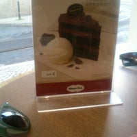 Photo taken at Häagen-Dazs by Samuel d. on 12/30/2012