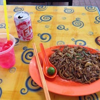 Photo taken at Day Night Fried Kway Teow by walter g. on 6/30/2014