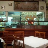 Photo prise au Pizzeria Firenze Nova par Simone L. le2/14/2013