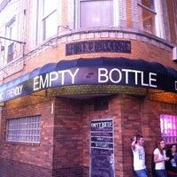 9/15/2012 tarihinde Jordan S.ziyaretçi tarafından Empty Bottle'de çekilen fotoğraf