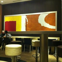 Foto tirada no(a) McDonald's por Alessandra D. em 1/31/2013