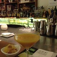 9/18/2014 tarihinde Artur M.ziyaretçi tarafından Dry Martini'de çekilen fotoğraf