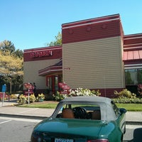 Photo taken at Red Robin Gourmet Burgers by Mike R. on 4/26/2013
