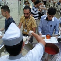 Photo taken at Semerkant Beşir Derneği iftar çadırı by Gökmen Y. on 8/1/2013