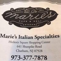 Das Foto wurde bei Marie's Italian Specialties von Evan F. am 6/1/2014 aufgenommen