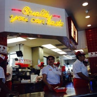 Photo taken at In-N-Out Burger by B F. on 5/31/2017