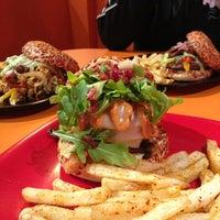 Foto tomada en The Burger Laboratory por Fabián D. el 1/18/2013