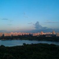 Das Foto wurde bei Парк «Борисовские пруды» von Evgeny B. am 7/8/2013 aufgenommen