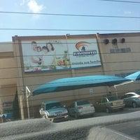 Foto tirada no(a) Supermercado Favorito por Ingridy L. em 11/17/2012