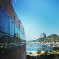 Foto tirada no(a) Botafogo Praia Shopping por Matheus N. em 7/17/2013