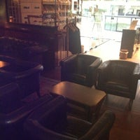 Photo taken at Puros Habanos Bar & Charutaria by Regis C. on 11/9/2012