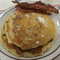 Photo taken at Uncle Bill's Pancake House by Jon G. on 6/6/2014