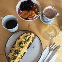 Foto tomada en Mikyna Coffee & Food Point por Lucie el 9/23/2018