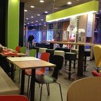 Снимок сделан в McDonald's пользователем Maksim S. 12/29/2012