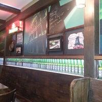 Foto tirada no(a) Mulligan Irish Pub por Camila D. em 12/6/2012