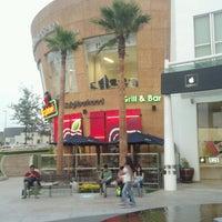 Photo taken at Applebee's by Cesar M. on 5/8/2013