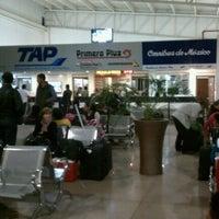 Foto tomada en Terminal de Autobuses Nuevo Milenio de Zapopan por Angel G. el 11/5/2012