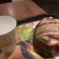Photo taken at Burger King by 渚 唯. on 1/12/2018