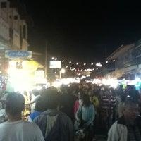 รูปภาพถ่ายที่ ถนนคนเดินปาย โดย Naphat D. เมื่อ 12/8/2012