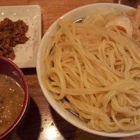 Photo taken at 三代目 宮田麺児 by HIRO on 7/20/2013