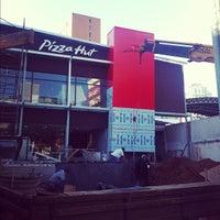 Photo taken at Pizza Hut by Felipe R. on 8/3/2012