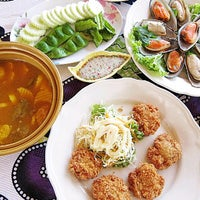 รูปภาพถ่ายที่ Pak Klong Seafood restaurant   ปากคลองซีฟู๊ด โดย Khun ⒶⓄⓂ  ♩♪♫ เมื่อ 5/17/2012