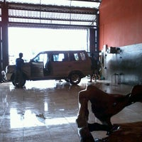 Photo taken at Cuci Mobil 2t DAF, Bolo - Sambiroto by Reny K. on 11/16/2013