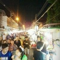 Photo taken at Wua Lai Soi 5 by Anuntita C. on 1/26/2013