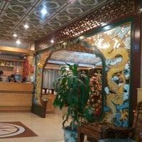 Foto tomada en Restaurant Lotus Flower por Francisco H. el 10/18/2012