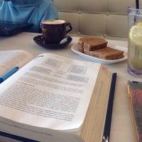 Photo taken at OldTown White Coffee by Sarah R. on 8/19/2016