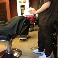 Foto scattata a Central Barbershop da mishka_barber il 5/1/2013