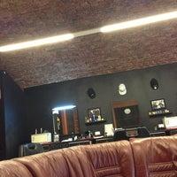 Foto scattata a Central Barbershop da mishka_barber il 5/20/2013
