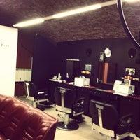 Foto scattata a Central Barbershop da mishka_barber il 1/25/2013