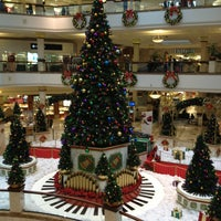 Photo taken at Four Seasons Town Centre by Ernesto G. on 12/26/2012