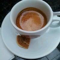 Foto tirada no(a) Café Feito a Grão por Marco S. em 10/10/2012